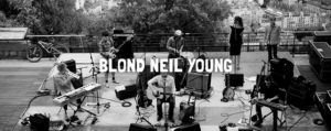 BLOND-NEIL-YOUNG